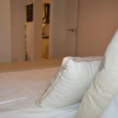 Отель Ático Embajadores Мадрид сейф в номере