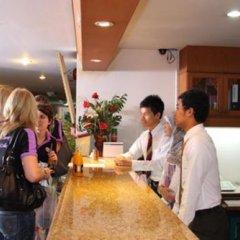 Отель JS Tower Service Apartment Таиланд, Бангкок - отзывы, цены и фото номеров - забронировать отель JS Tower Service Apartment онлайн гостиничный бар