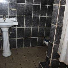 Отель Jacaranda Suites Нигерия, Калабар - отзывы, цены и фото номеров - забронировать отель Jacaranda Suites онлайн ванная фото 2