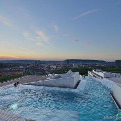 B2 Boutique Hotel + Spa бассейн