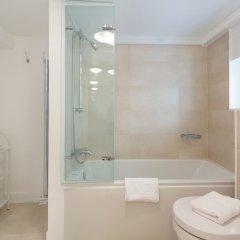Отель Lux London Cromwell Road ванная фото 2