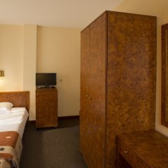 Hotel Victoria Боровец сейф в номере