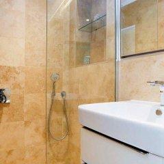 Отель Veeve Light And Open 2 Bed House Moore Park Road Fulham ванная
