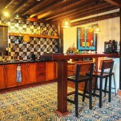 Отель Hidden Beach Pool Villas гостиничный бар