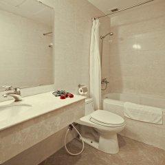 Отель Alagon Western Hotel Вьетнам, Хошимин - отзывы, цены и фото номеров - забронировать отель Alagon Western Hotel онлайн ванная фото 2