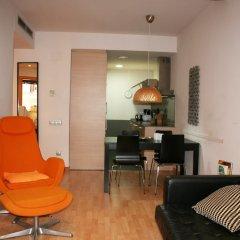 Апартаменты Avenida Apartments Tapioles II Барселона комната для гостей фото 5