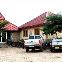 Отель Rainforest Lodge парковка