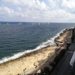 Отель De Redin Court пляж
