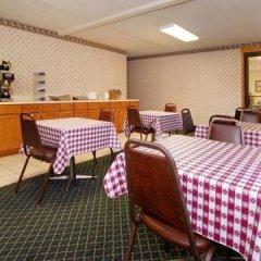 Отель Rodeway Inn North Колумбус развлечения