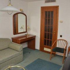 Гостиница Металлург комната для гостей фото 5