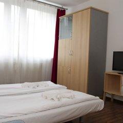Отель Studios am Alexanderplatz Германия, Берлин - отзывы, цены и фото номеров - забронировать отель Studios am Alexanderplatz онлайн комната для гостей фото 2
