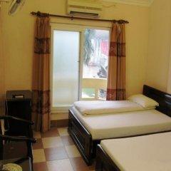 Phong Lan Hotel сейф в номере