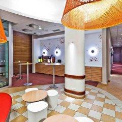 Отель Ibis Praha Mala Strana Прага интерьер отеля