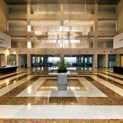 Отель Capital Coast Resort & Spa интерьер отеля