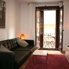 Апартаменты Avenida Apartments Tapioles II Барселона комната для гостей фото 3