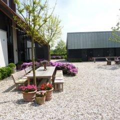 Отель Landgoed Emelaar Lodge парковка