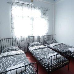 Tiger Lily Hostel Бангкок комната для гостей фото 2