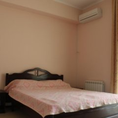 Гостиница Красная Гвоздика сейф в номере