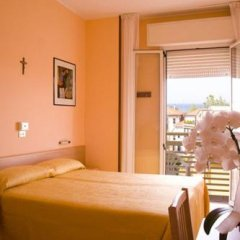 Hotel Nella Римини комната для гостей фото 5