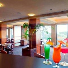 Отель Pacific Islands Club Guam гостиничный бар