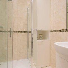 Отель Veeve - Rosey Rosslyn Flat ванная фото 2