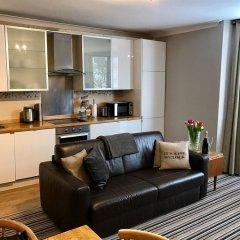 Апартаменты Ei8ht Brighton Apartments - Guest house комната для гостей