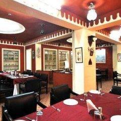 Отель FabHotel Golden Days Club питание фото 3