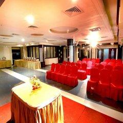 Отель OYO Rooms MG Road Raipur интерьер отеля