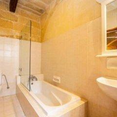 Отель Villa Veduta Мальта, Айнсилем - отзывы, цены и фото номеров - забронировать отель Villa Veduta онлайн ванная
