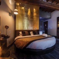 Отель Maison Torre Argentina Рим сейф в номере