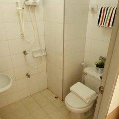 Отель Golden Apartment Таиланд, Бангкок - отзывы, цены и фото номеров - забронировать отель Golden Apartment онлайн ванная