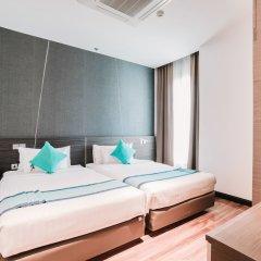 Отель Vertical Suite Бангкок комната для гостей фото 2