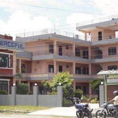Отель Peaceful Непал, Покхара - отзывы, цены и фото номеров - забронировать отель Peaceful онлайн парковка