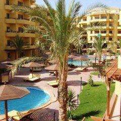 Апартаменты British Resort Apartments бассейн