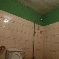 Adesua Hotel Suites and Event centre ванная