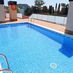 Отель Marina - INH 30013 Испания, Льорет-де-Мар - отзывы, цены и фото номеров - забронировать отель Marina - INH 30013 онлайн бассейн фото 2