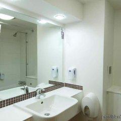 Отель Premier Inn Manchester Trafford Centre South ванная