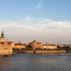 Отель Prague Getaway Homes Slavojova Прага приотельная территория