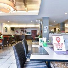 Отель Nida Rooms Patong Pier Palace гостиничный бар