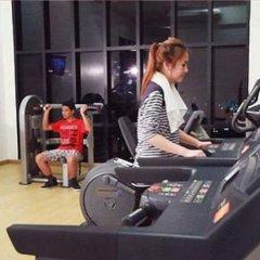 Отель Vertical Suite Бангкок фитнесс-зал