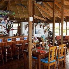 Отель Mango Creek Lodge гостиничный бар