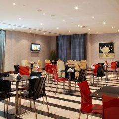 Royal Ascot Hotel Apartment питание фото 2