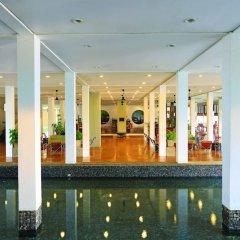 Отель Blue Water Club Suites бассейн