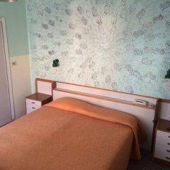 Hotel Ausonia сейф в номере