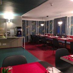 Hotel les Cigales гостиничный бар