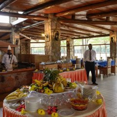 Hotel Club Du Lac Tanganyika питание фото 3