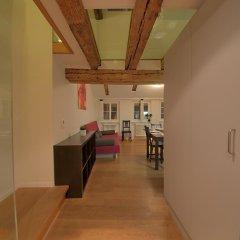 Апартаменты HITrental Schmidgasse - Apartments комната для гостей фото 2