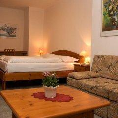 Отель Ferienclub Breitenbergerhof Италия, Чермес - отзывы, цены и фото номеров - забронировать отель Ferienclub Breitenbergerhof онлайн комната для гостей фото 4
