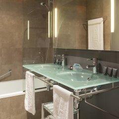 Отель AC Hotel Sevilla Torneo, a Marriott Lifestyle Hotel Испания, Севилья - отзывы, цены и фото номеров - забронировать отель AC Hotel Sevilla Torneo, a Marriott Lifestyle Hotel онлайн ванная