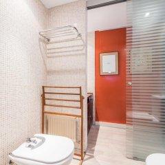 Отель Chic Rentals Serrano Испания, Мадрид - отзывы, цены и фото номеров - забронировать отель Chic Rentals Serrano онлайн ванная